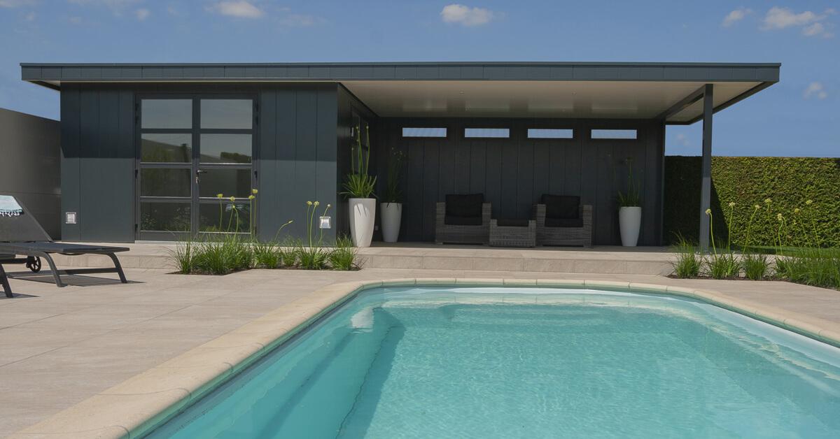 Poolhouse met overkapping - Iso-bella.nl