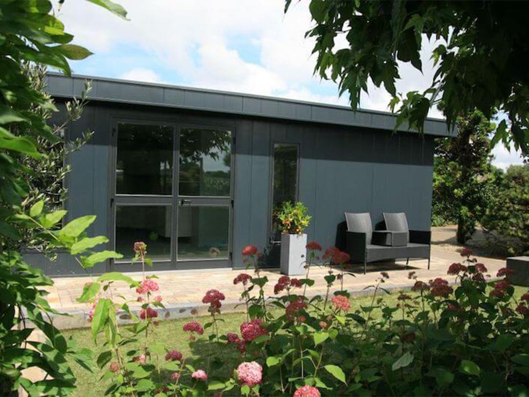 Isobella Hermes tuinhuis met beplanting