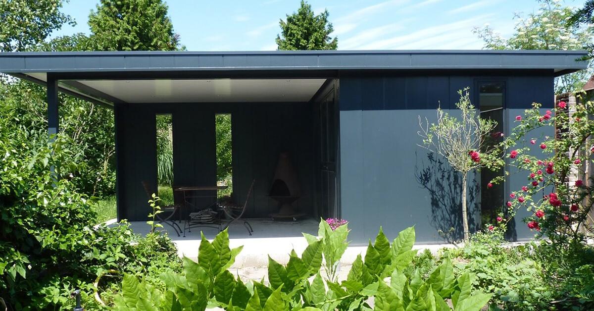 Tuinhuis met overkapping groot met zijraam Hermes Tuinhuizen - Iso-bella.nl